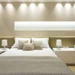 Dormitorios  Revestimiento enchapado en fresno con mucho iluminadohellip